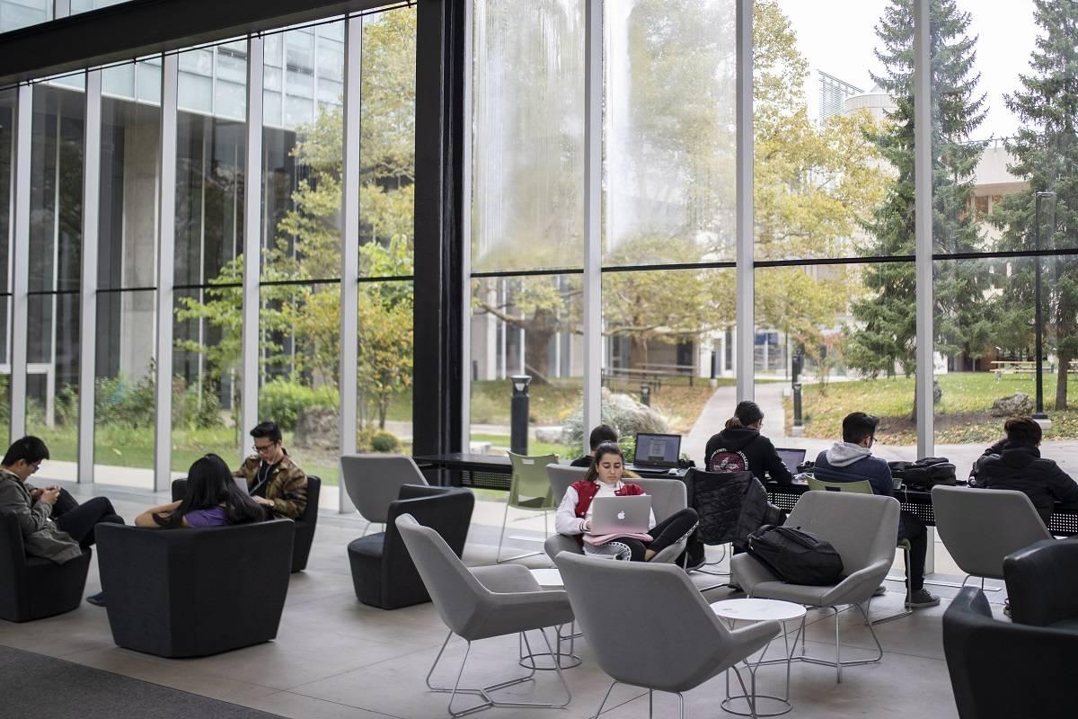U Of T Places No 1 In Canada No 20 Globally In U S News World Report S Ranking Of Best Universities University Of Toronto Alumni