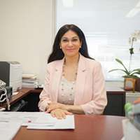 Professor and alumna Neeru Gupta (PGMT 1995, MBA 2012) is part of the research team.