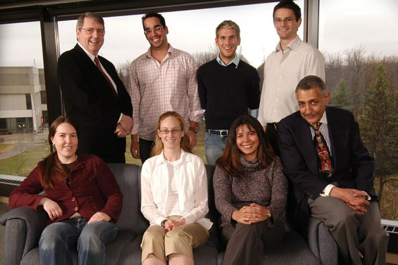 Arlington Franklin Dungy, seated at the bottom right, with students in the Aboriginal program at the University of Ottawa in 2006 (photo courtesy of University of Ottawa)