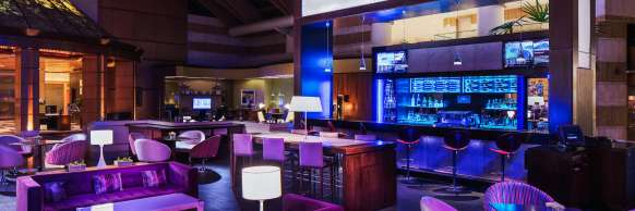 Santiago Marriott Hotel, Akun Lounge & Bar