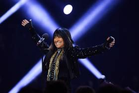 "Photo of Beverly ""Buffy"" Sainte-Marie at the 2016 Juno Awards in Calgary"